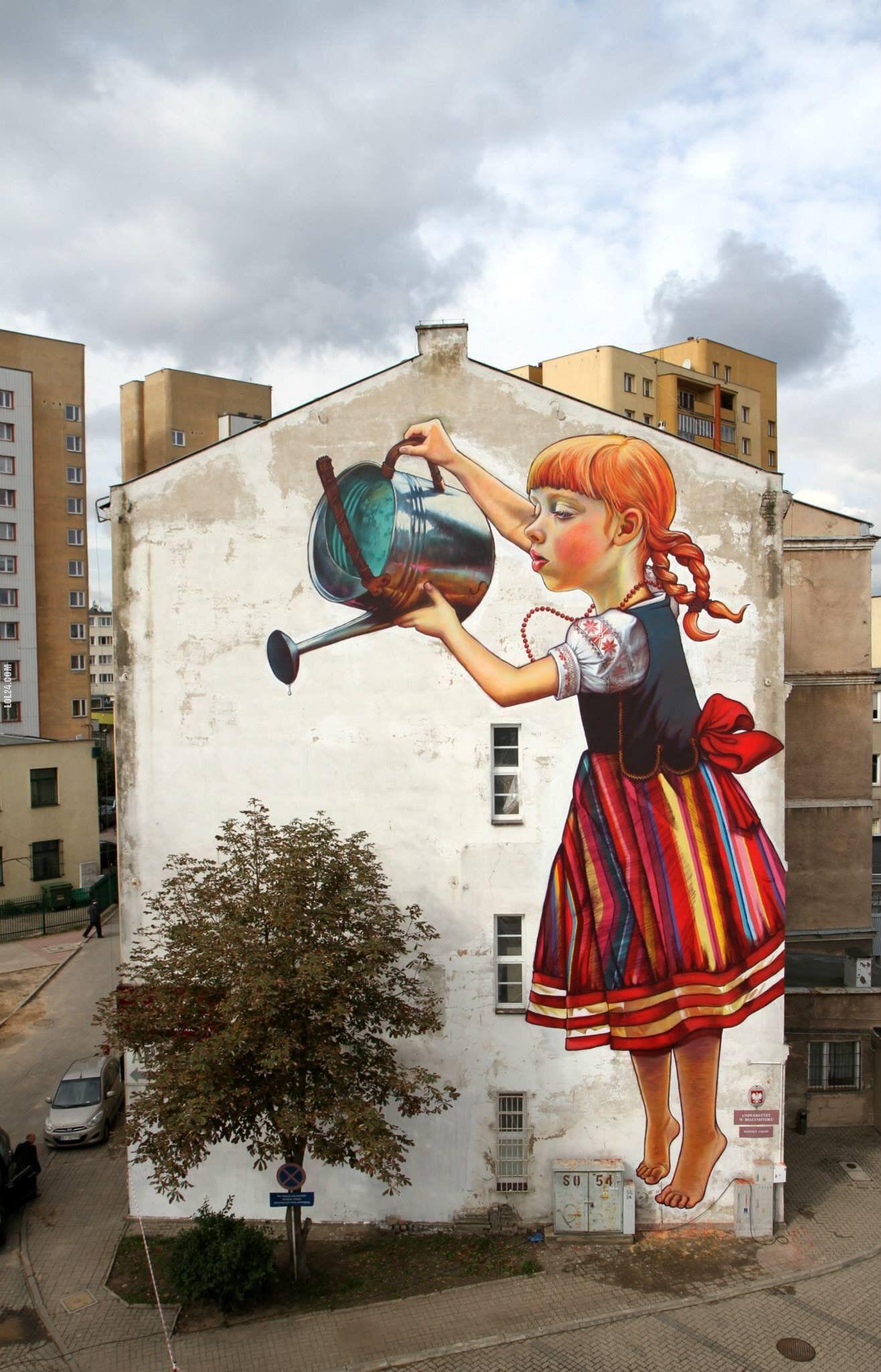 dziewczynka z konewk mural arts On mural dziewczynka z konewka