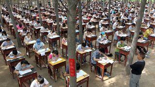 Henan, egzamin gimnazjalny w lesie