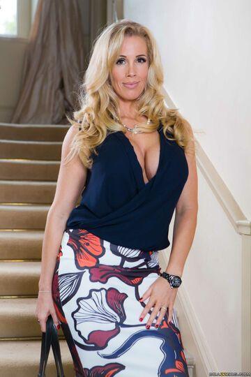 Buxom European MILF Rebecca Moore taking cumshots in MMF threesome  358470