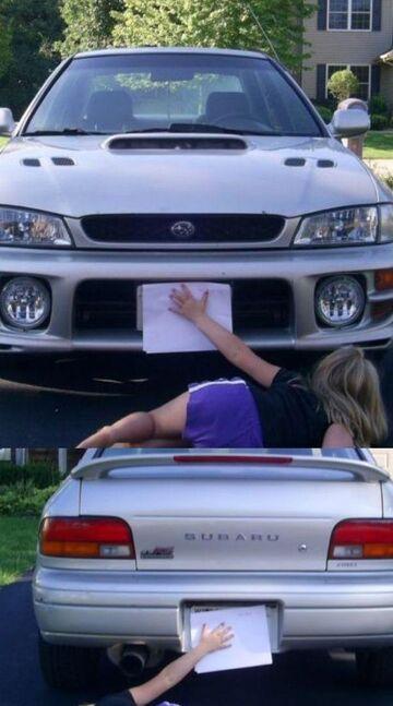 Zdjęcia samochodu do sprzedania. Zakrywanie nr rejestracyjnego