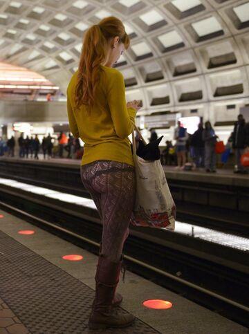 Dzień bez spodni. W metrze.