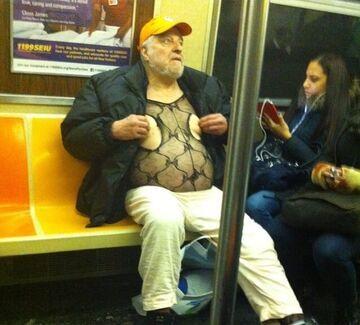 Jakiś facet w metrze