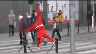 Szalony Mikołaj na ulicach Poznania
