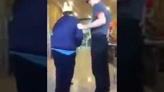 Pracownik Burger King w Rosji kształci studentów