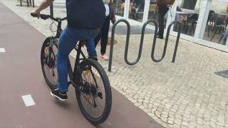 Photoshop: jak usunąć koła w rowerze
