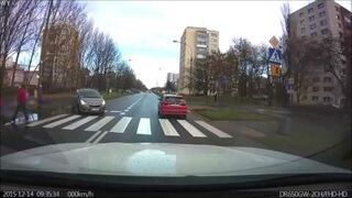 Zachowania kierowców na przejściu dla pieszych