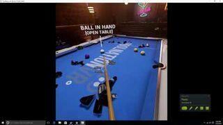 Mistrz Snookera Ronnie O'Sullivan oparł się o wirtualny stół