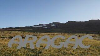 Najwyższa góra Armenii - Wulkan Aracac