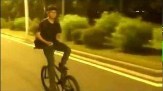 Jazda na rowerze tyłem