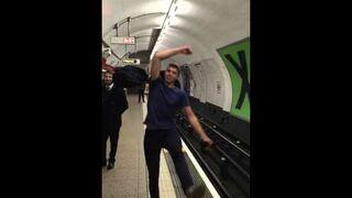 Ping-pong w Londyńskim metrze
