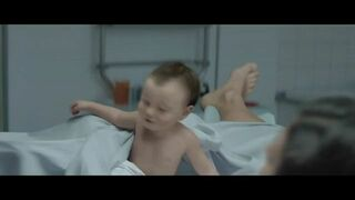 Reklama Internetu MTS India z noworodkiem