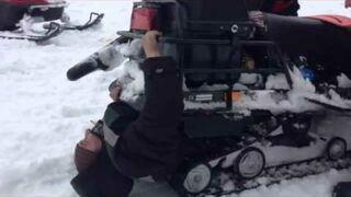 Rusek i skuter śnieżny