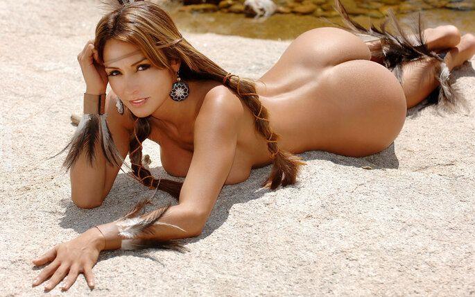 NSFW : Indianka na piasku