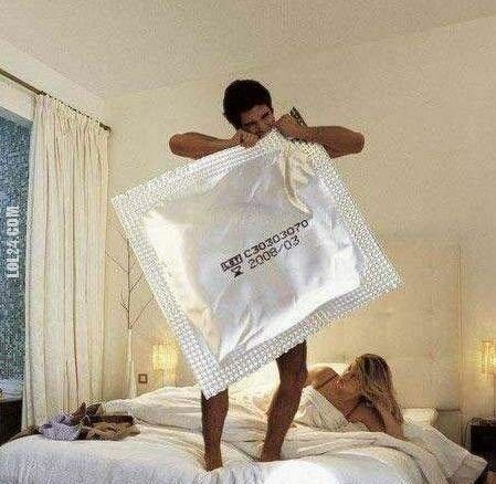 LOL : Wielka prezerwatywa