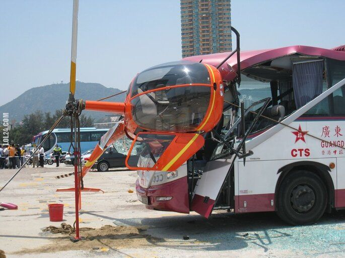 wpadka : Zderzenie autobusu z helikopterem