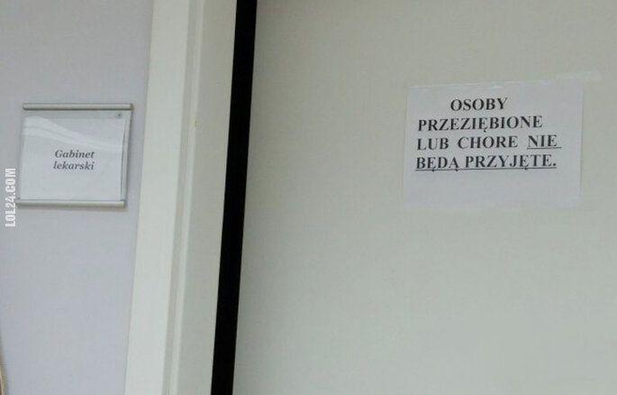 napis, reklama : Gabinet lekarski...