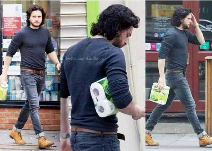 pozostała : Jon Snow z papierem toaletowym