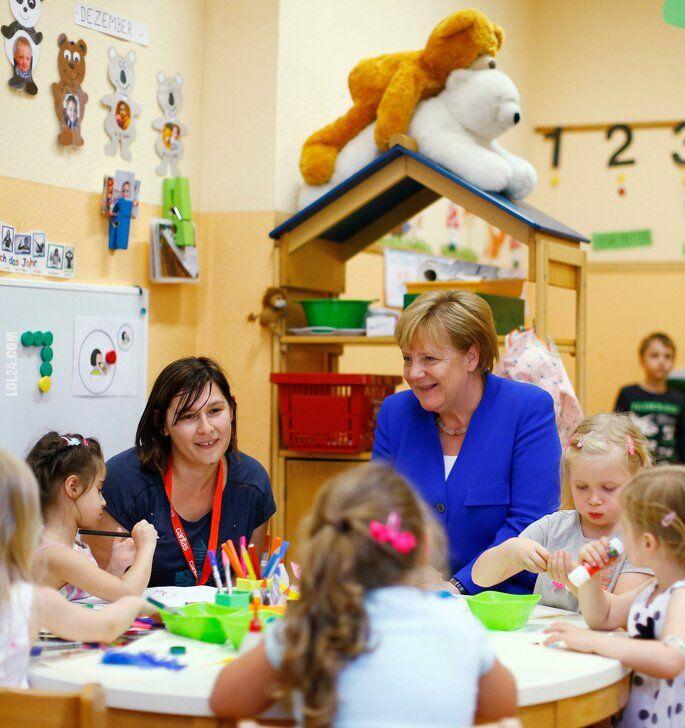 wpadka : Angela Merkel rozmawia z dzieciakami w przedszkolu