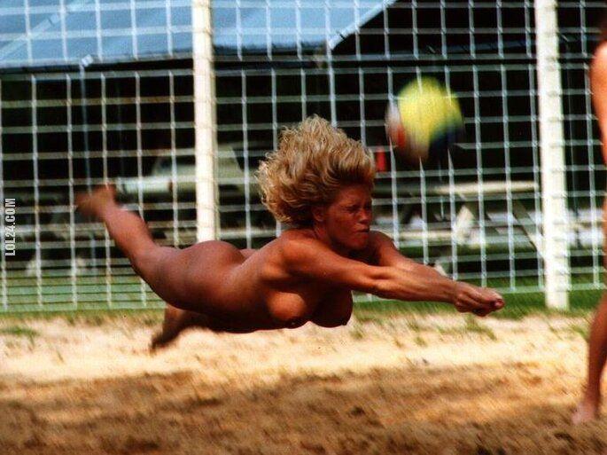 sportowa : Siatkówka na golasa