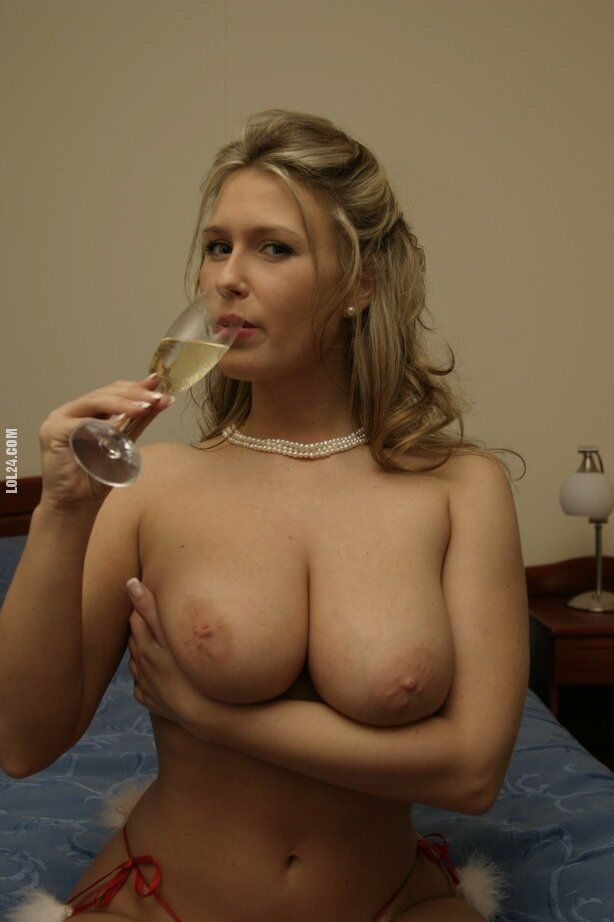NSFW : Drinking Champagne : milf