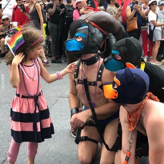 inne : Mała dziewczynka na paradzie równości i tolerancji