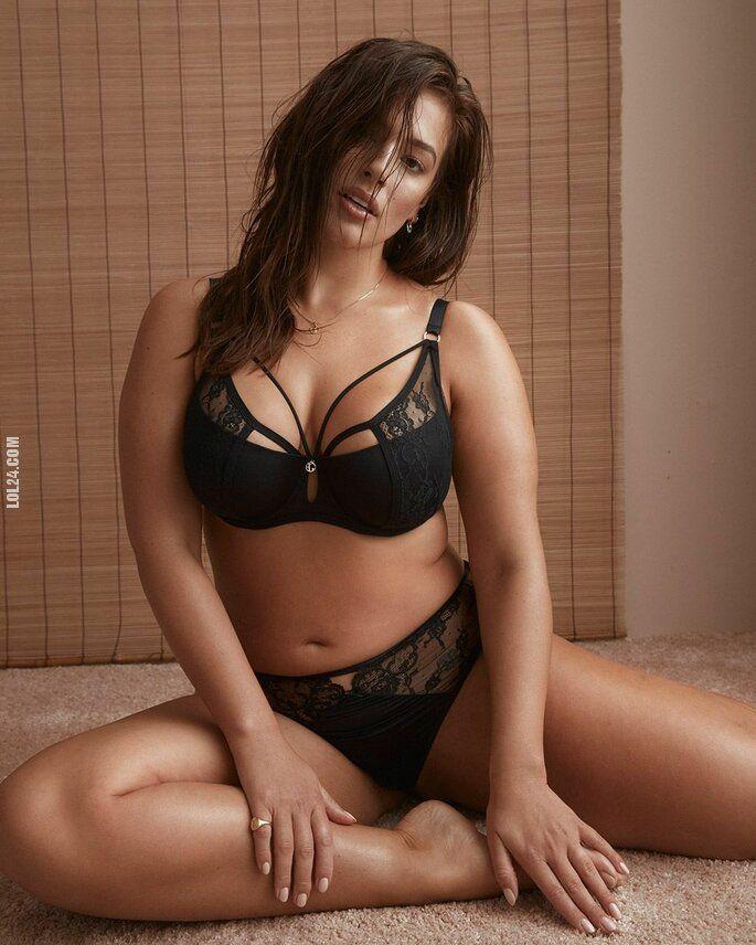 erotyka : Piękna figura nie zawsze wynosi 40kg - Ashley Graham