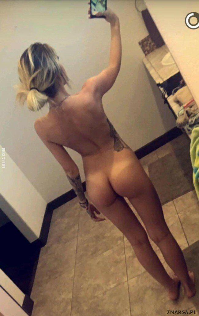 NSFW : Selfi ass