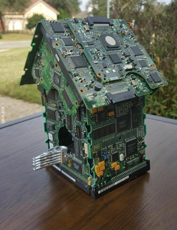 rzeźba, figurka : Domek dla ptaków