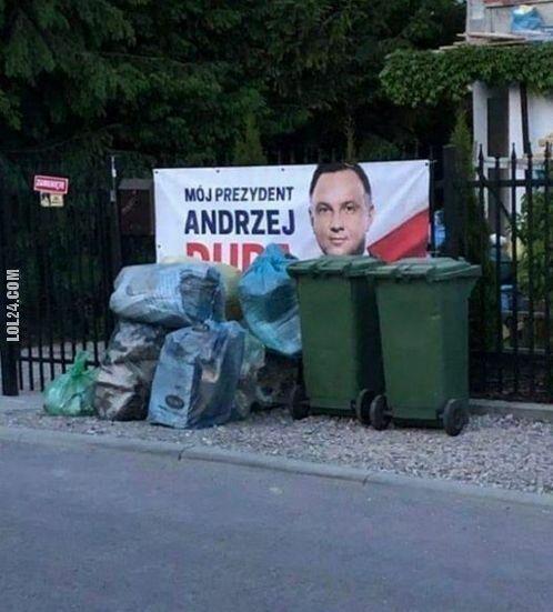 "napis, reklama : Mój prezydent ""Andrzej Duda"""
