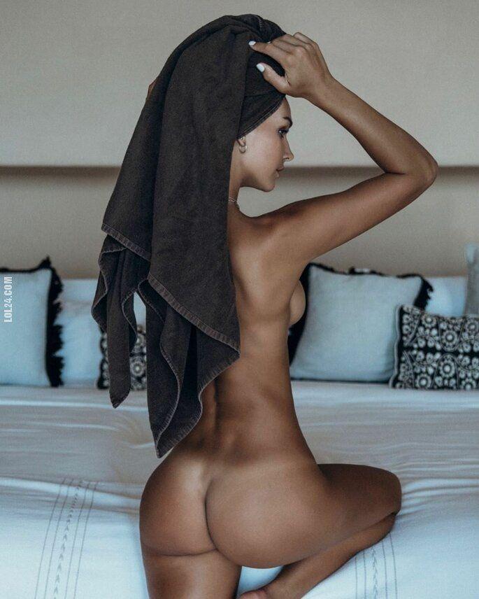 erotyka : Śliczny tyłeczek Rachel Cook