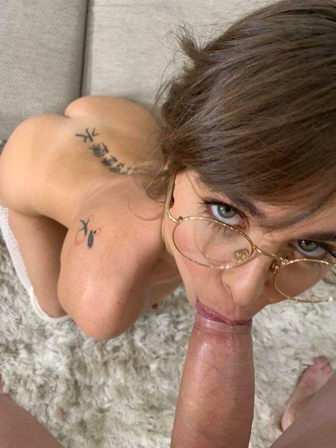NSFW : Blowjob lady 2