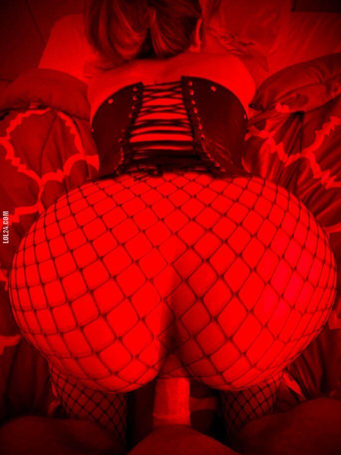 NSFW : Very Hot Girl 12