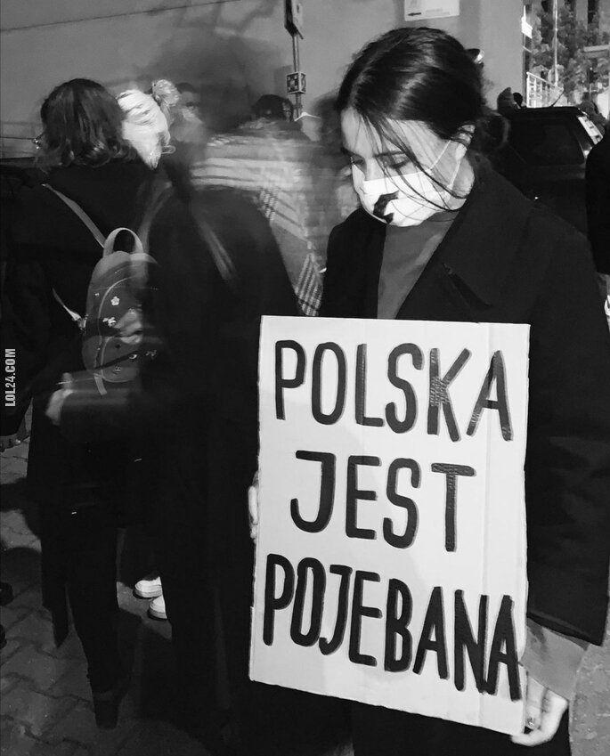 napis, reklama : Polska jest ...