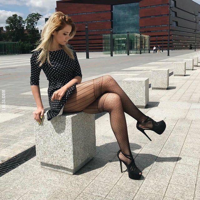 kobieta : W sukience