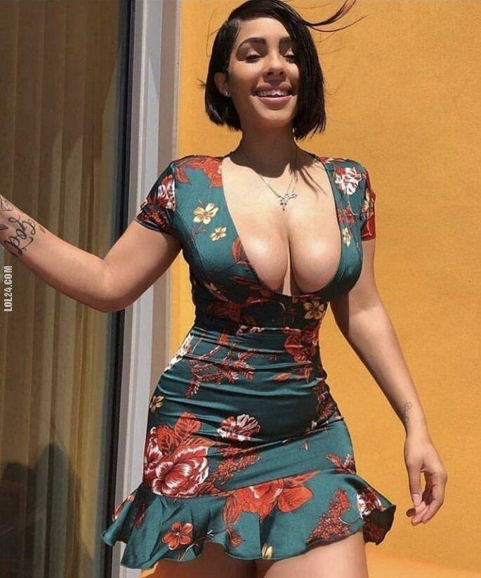 kobieta : W letniej sukience