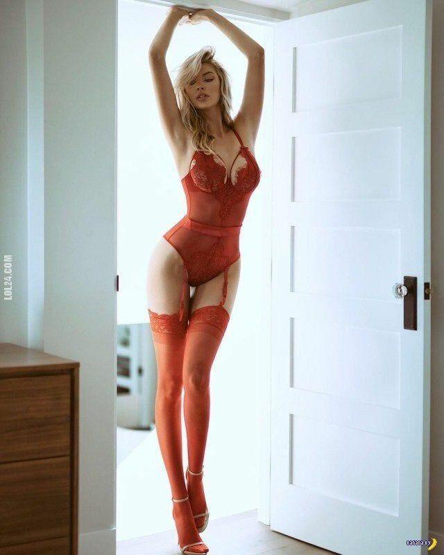 kobieta : Czerwone body 2