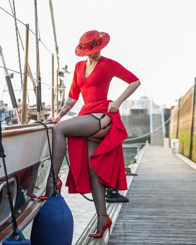 kobieta : Dama w czerwieni
