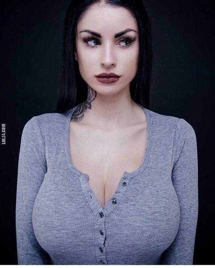 kobieta : W sweterku