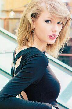 urocza, słodka : Taylor Swift.