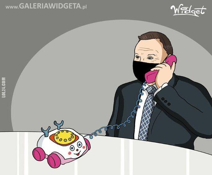 satyra : Telefon -zabawka
