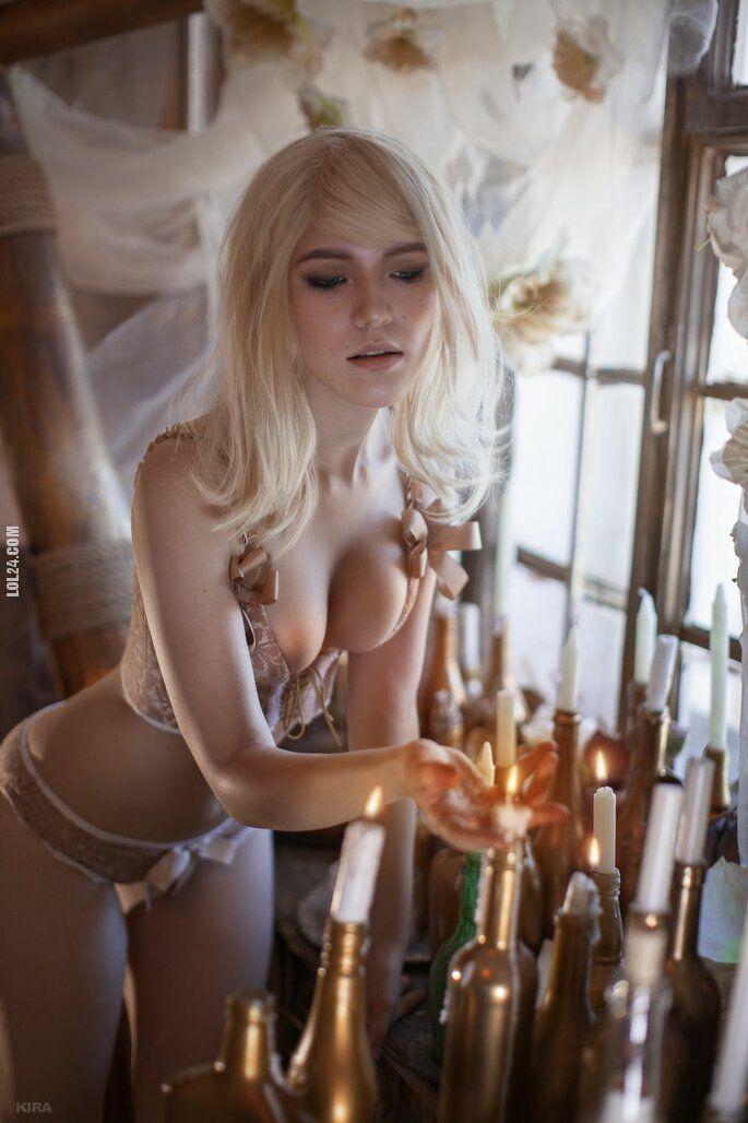 erotyka : Urocza kobieta 351