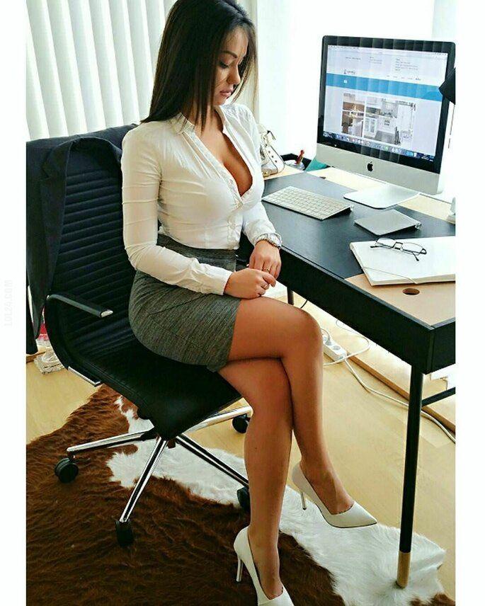 kobieta : Urocza sekretarka