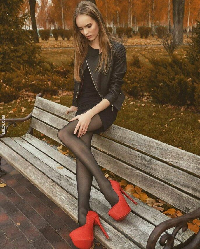 kobieta : Piękne długie nogi.