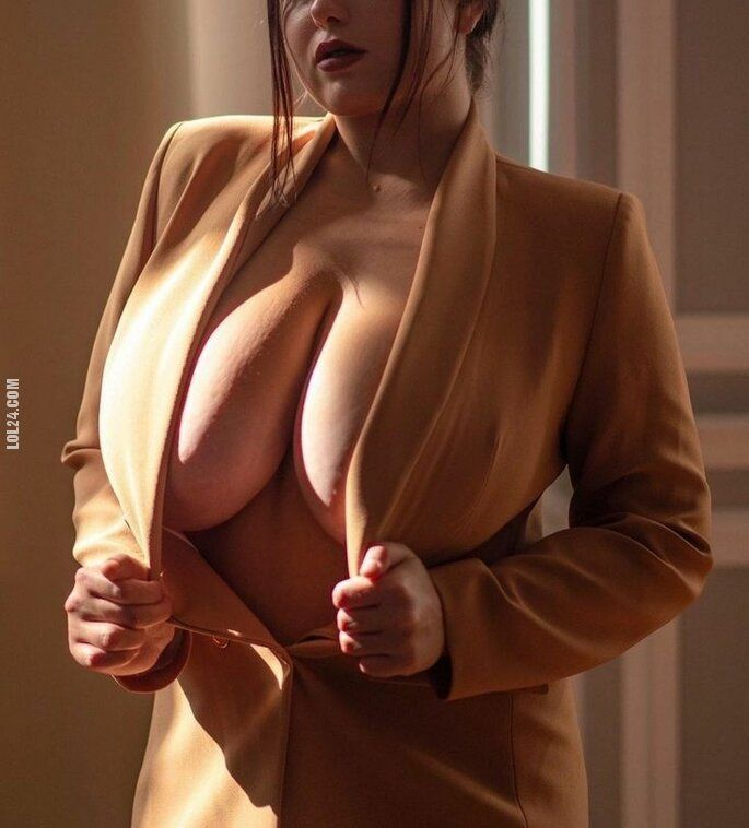erotyka : Urocza kobieta 426