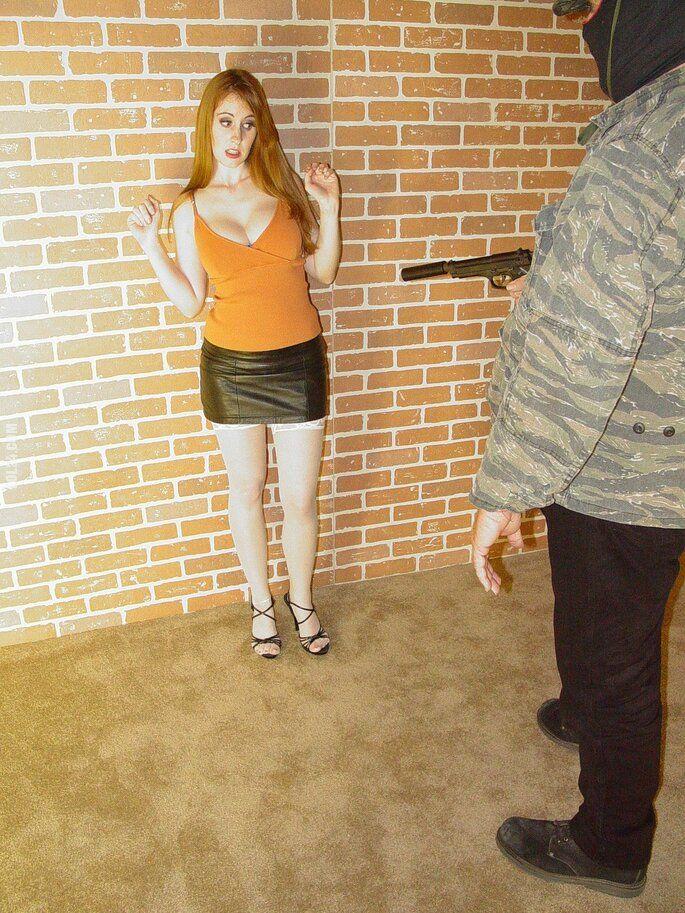 kobieta : Seria z pistoletem 1