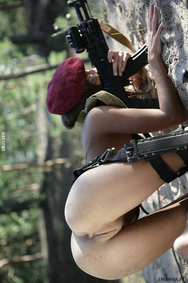 erotyka : Nowy strój dla kobiet w wojsku