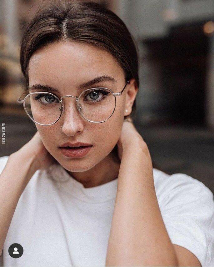 kobieta : Dziewczyny w okularach są super