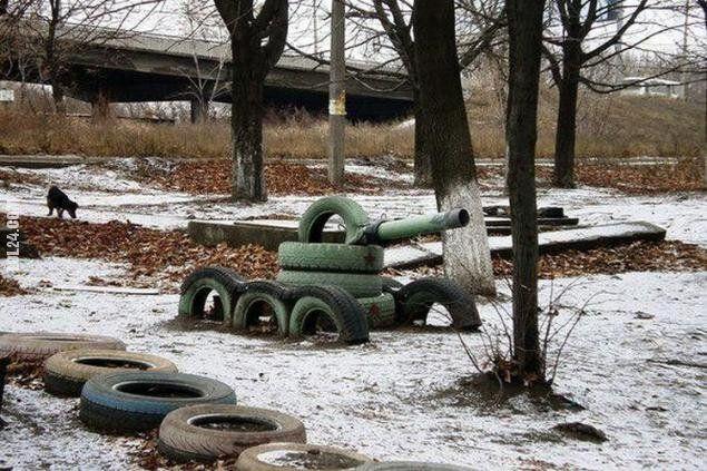 dzieciaki : Nasz pierwszy czołg. Dzieciństwo!