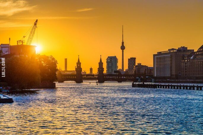 polityczna : Obożemój! Minaret w Berlinie!