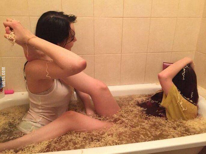 kobieta : Kąpiel w Chińskich zupkach